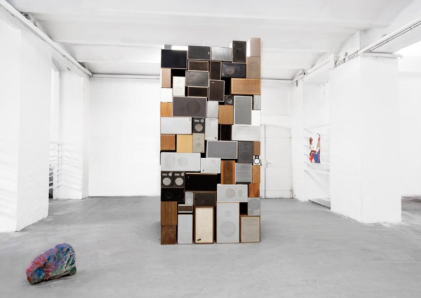 <p>Ausstellungsansicht (v.l.n.r.): Santiago Taccetti, Michael Müller, Laurence Grave</p>